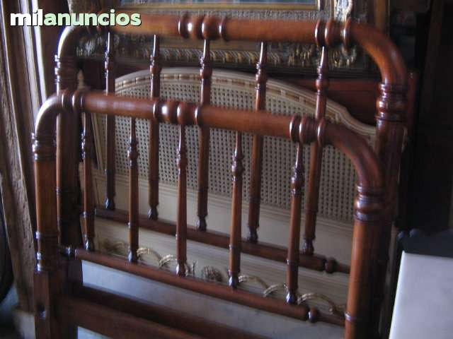 cama individual antigua restaurada - foto 1