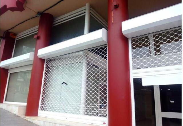 Boiro-capital. Con 2 plazas garaje. 870m - foto 1