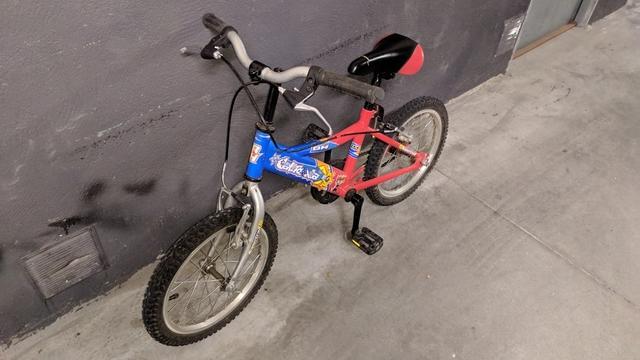 Bici niño con ruedines 3 a 6 años - foto 1