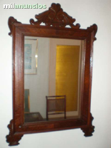 Espejo en marco de madera - foto 1