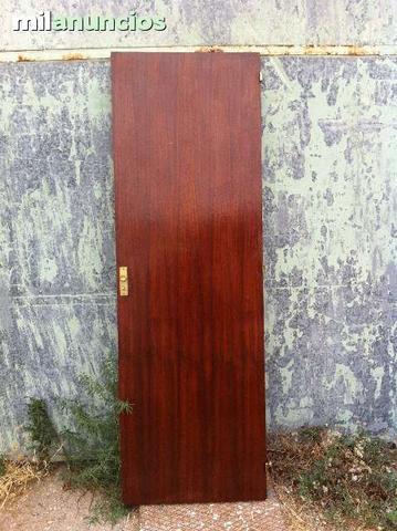 Puerta de armario antigua con llave - foto 1