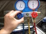 Reparación aire acondicionado autobús. - foto