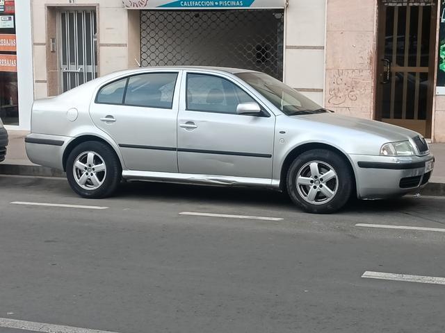 Skoda - Octavia - foto 1