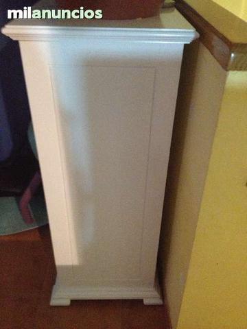 Columna de madera lacada - foto 1