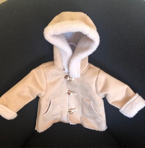 Abrigo bebé unisex. Zara - foto 1
