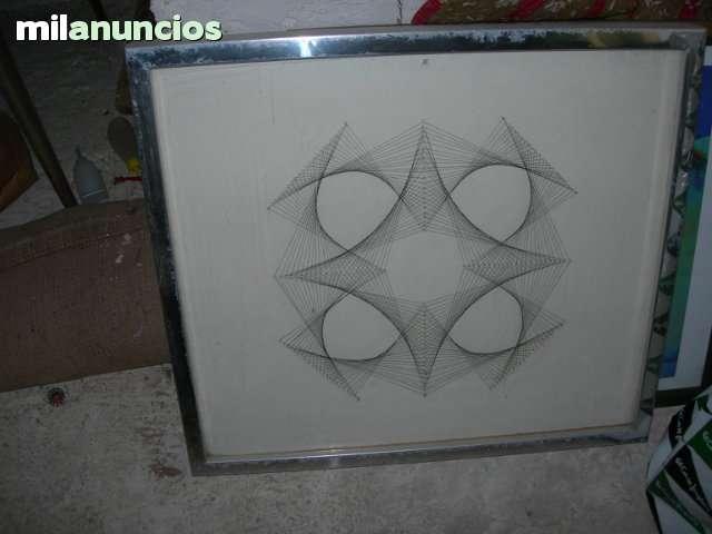 Cuadro de clavos con hilos - foto 1