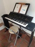 PIANO ELECTRóNICO YAMAHA