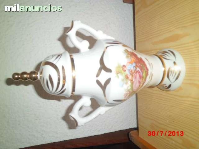Tibor de porcelana pintada a mano. - foto 1