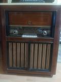 MUEBLE RADIO-TOCADISCOS