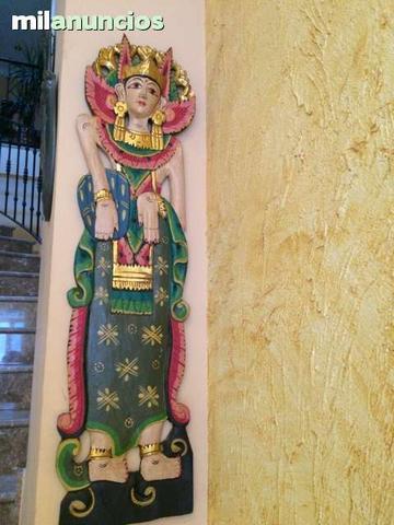 Diosa balinesa en madera - foto 1