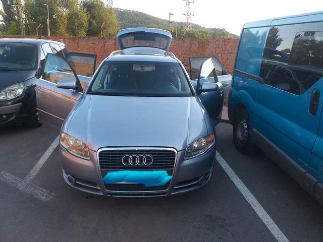 Audi - A4 - foto 1