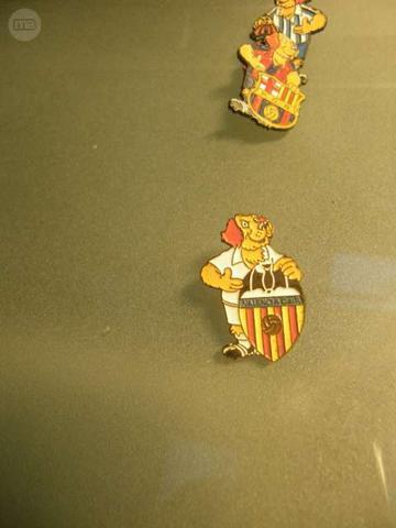 Pin GOLI Nutrexpa Valencia CF - foto 1
