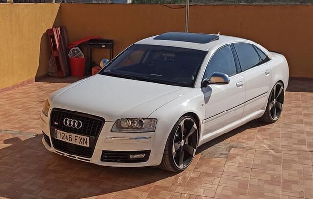 Audi - S8 - foto 1