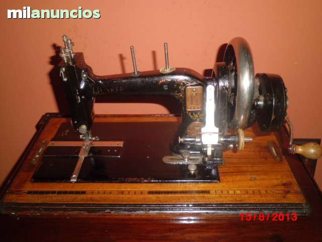 MÁquina de coser muy antigua - foto 1