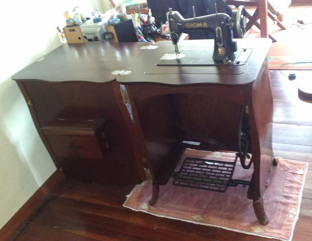 Mueble y mÁquina coser en lugo - foto 1