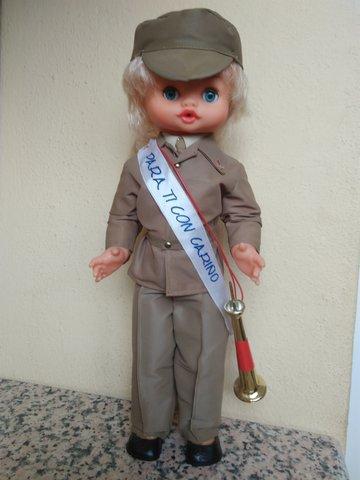 Antigua muñeca militar - foto 1