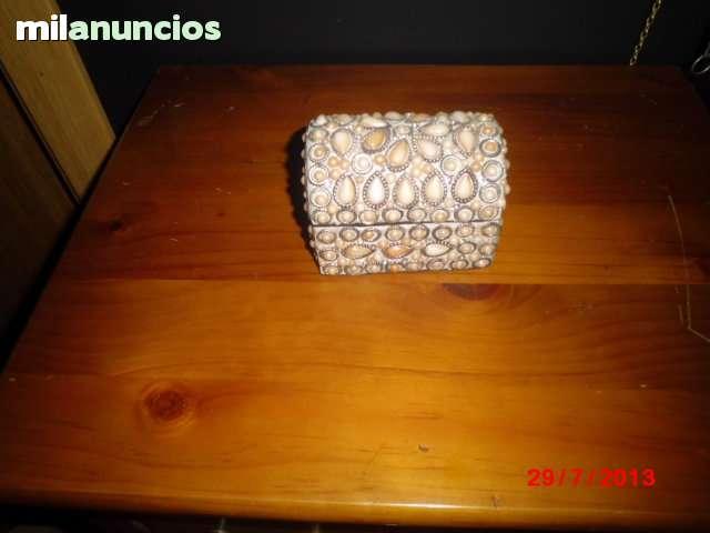Joyero hecho a mano con perlas nacaradas - foto 1
