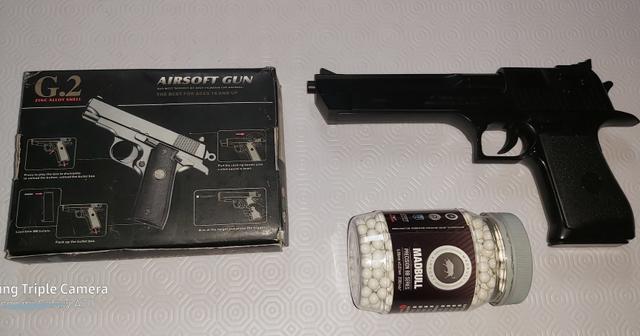 Pistola juguete armería - foto 1