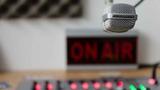 Se busca locutor/ra para radio o podcast - foto