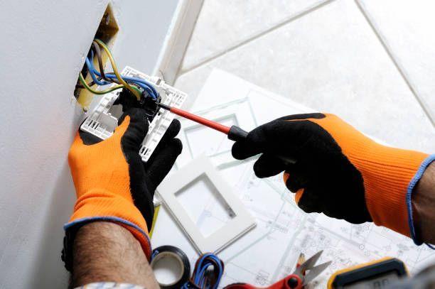 Electricista averias urgentes - foto 1