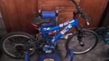 Bicicletas t patinete - foto