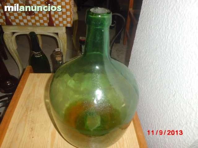 Botella de cristal antigua o damajuana - foto 1