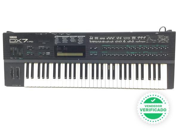 Sintetizador Yamaha - foto 1