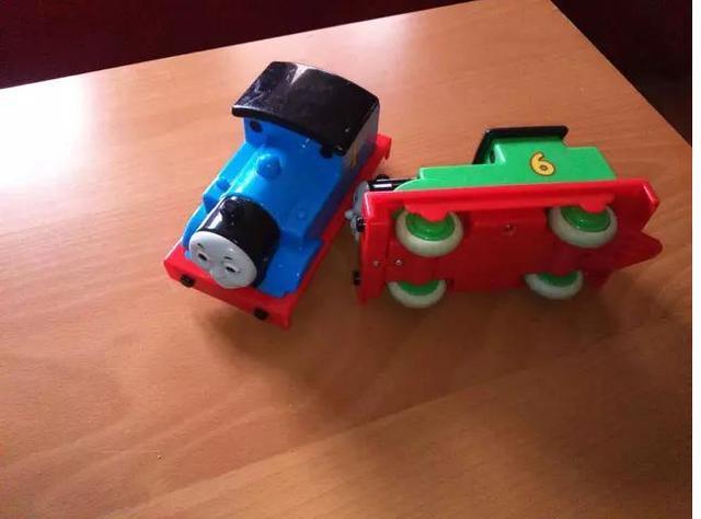 Thomas y amigos  Trenes con sonidos, rue - foto 1