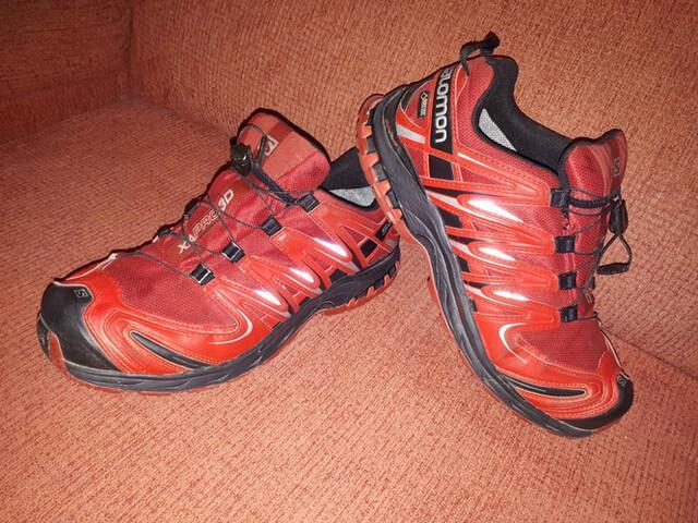 Zapatillas d Montaña gama alta Salomon   - foto 1
