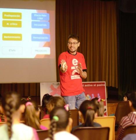 Community Manager Junior en Jaén - foto 1