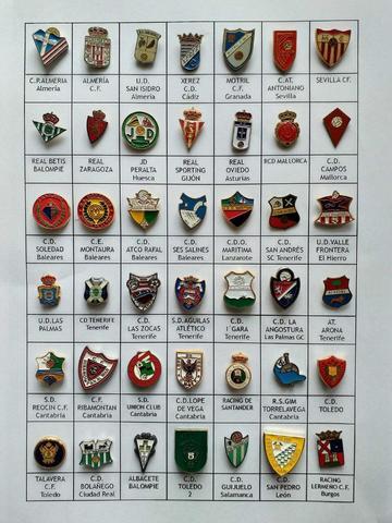 Lote de 153 pins de fútbol españoles - foto 1
