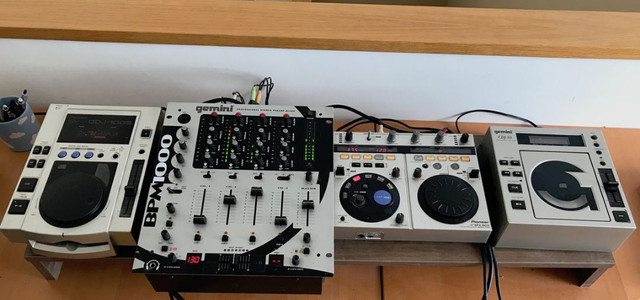 Equipo DJ - foto 1